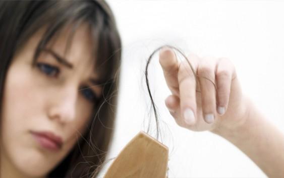 wypadanue włosów